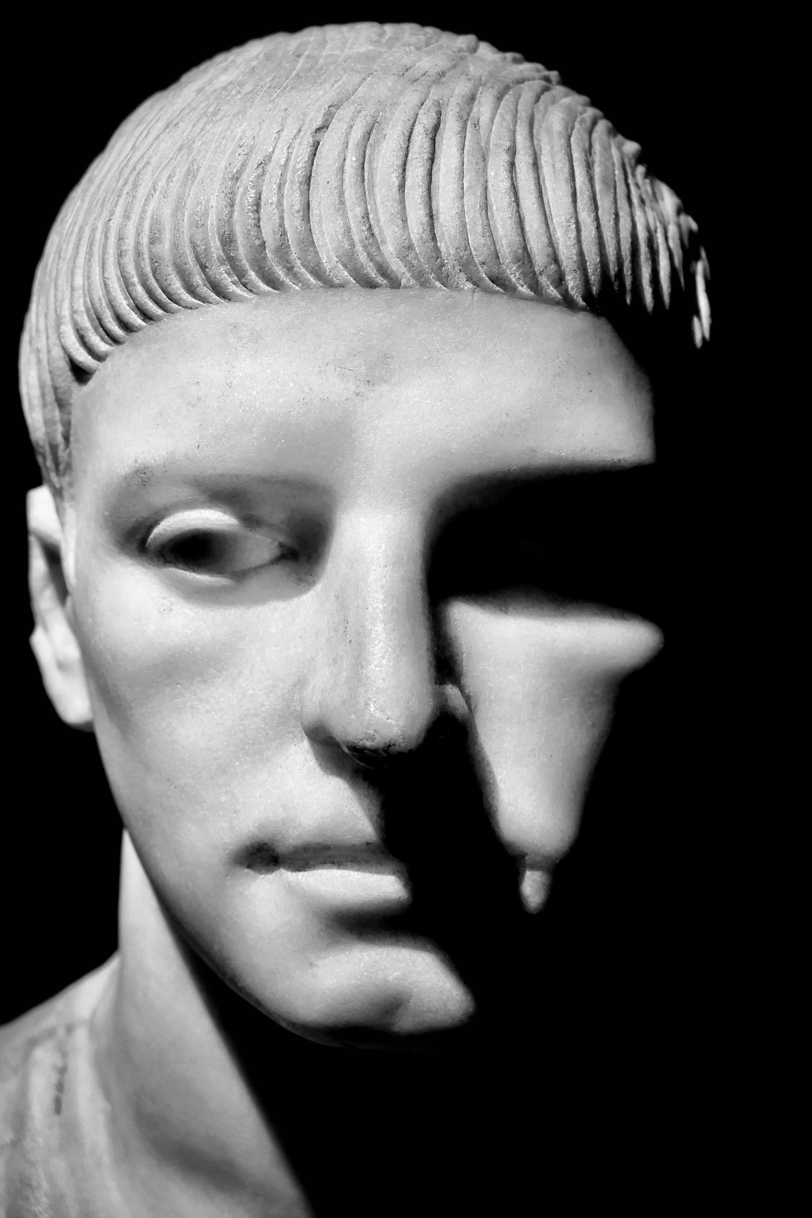 Gesicht.Skulptur.jpg