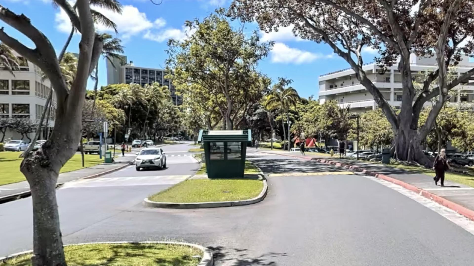 UH-Campus-Entrance-East-West-Inside.jpg